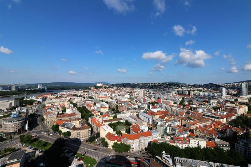 RESERVE- SKY PARK 1 bedroom apartment with view to the castle,tower 1